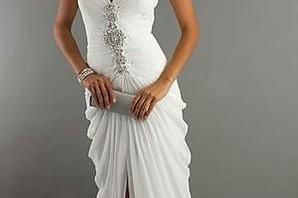 Секси или романтична сватбена рокля ?